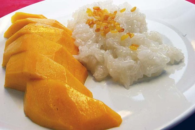 Seasonal sweet sticky rice & mango - Mango 7 Sticky Rice at Herbal Thai