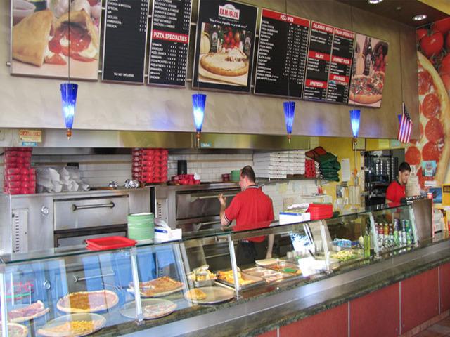 Restaurants Italian Near Me: Famous Famiglia Pizza Locations Near Me + Reviews & Menu