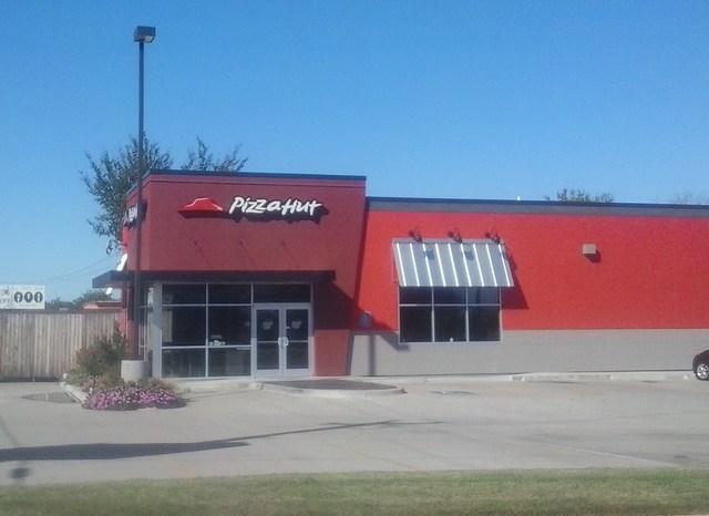 Pizza Hut Locations Near Me in Florida (FL, US) + Reviews & Menu