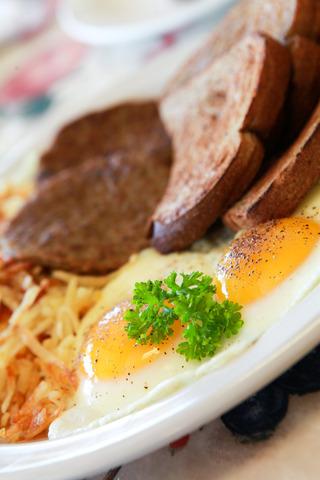 Big Breakfast Combo at Peach's Restaurant