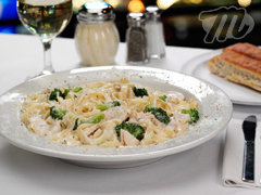 Fettucini Alfredo at Minsky's Pizza