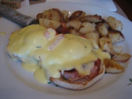 Eggs Benedict at Toast
