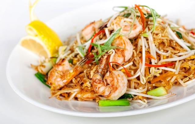 SHRIMP PADTHAI at Sib Song Sushi and Thai