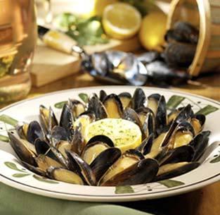 Mussels di Napoli at Isaac's Restaurant & Deli