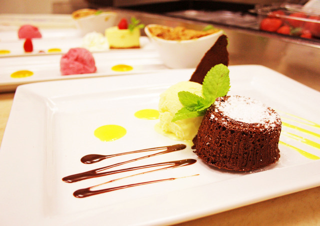 Hot Chocolate Cake at Q Lounge + Kitchen
