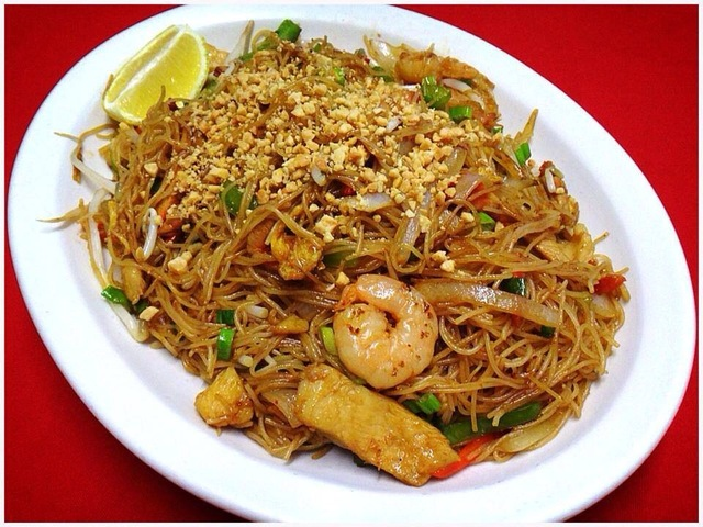 Pad-Thai Rice Noodles at Kum Fong Restaurant