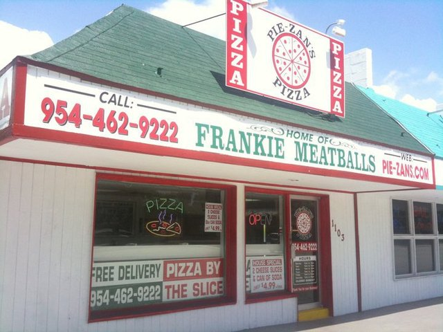 Exterior at Pie-zans Pizza