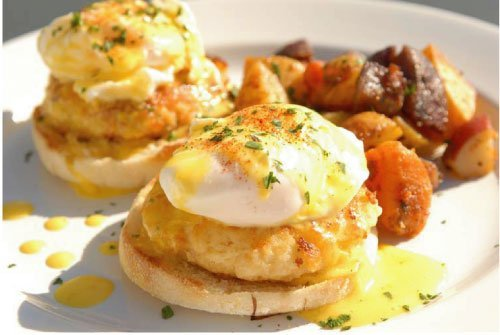 Dungeness Crab Eggs Benedict at Cafe Murrayhill