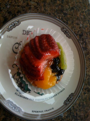 Fruit Tart at Kirkland French Bakery