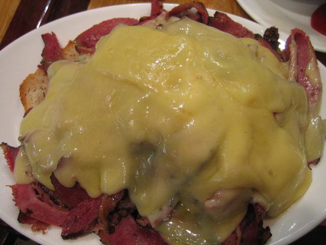 Ah, There's the Reuben [hot pastrami] at Carnegie Deli