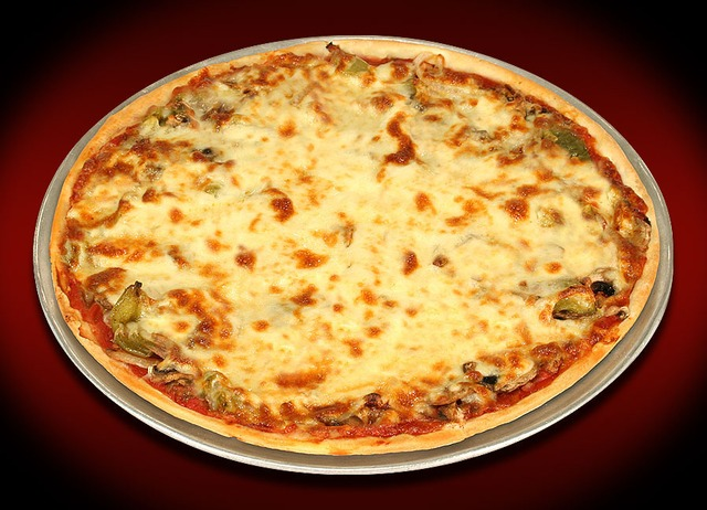 Delightful Thin Crust Pizza At Italian Pizza Kitchen