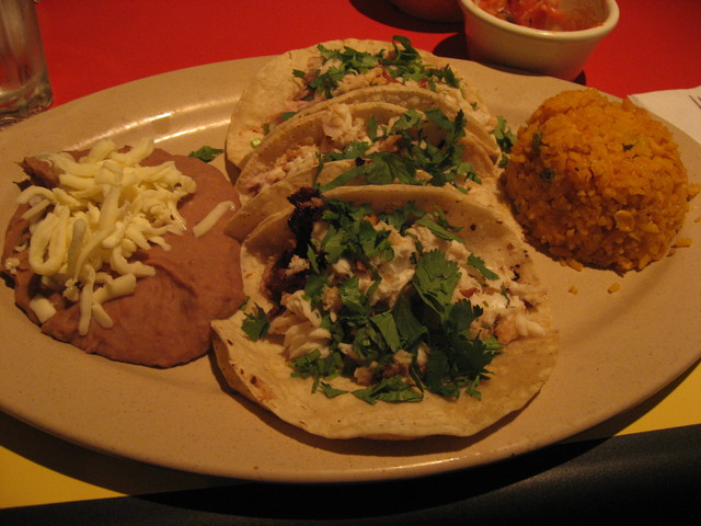 El cid menu reviews bucktown 2115 n milwaukee ave for Fish taco restaurant
