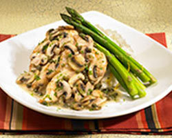 Chicken Picatta with Asparagus at Mimi's Cafe