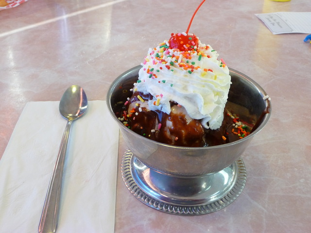 Big and yummy - Luncheon Sundae at Flashbacks Fountain and Grill