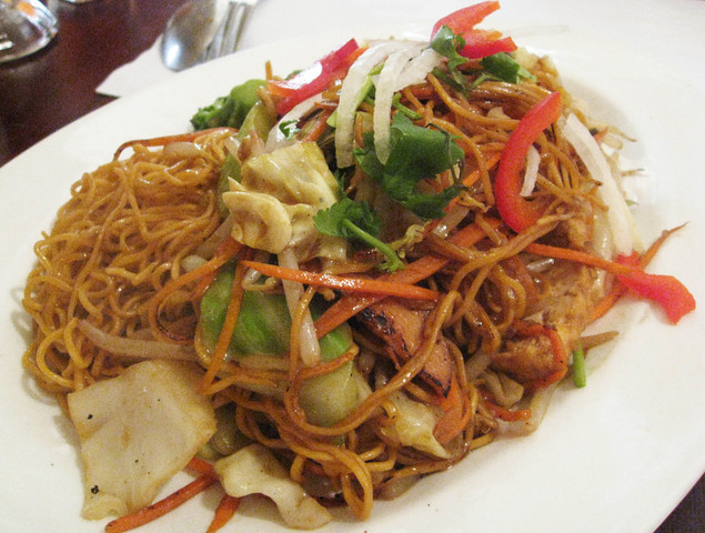 Everlasting Unity Chow Mein at One World Vegetarian Cuisine