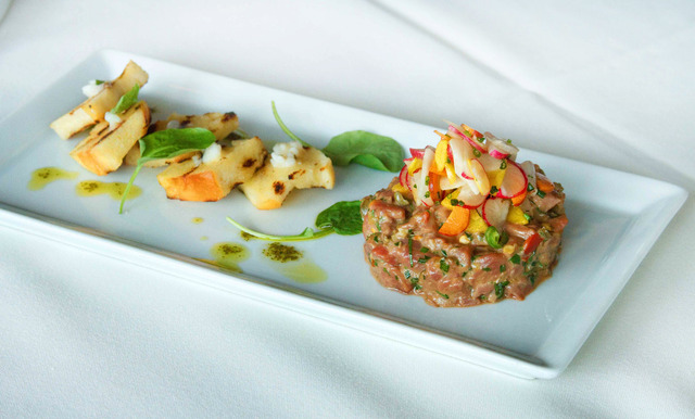 Steak Tartare at R2L