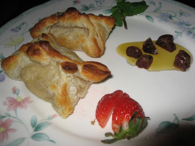Baked Cheese at Chaise Lounge