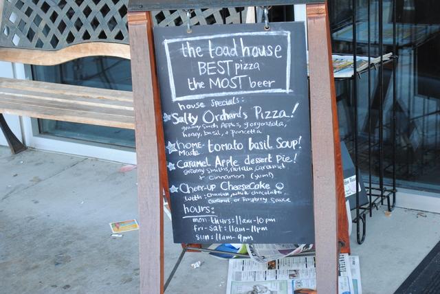 Toad house pizza pub menu reviews bremerton 98311 sciox Image collections