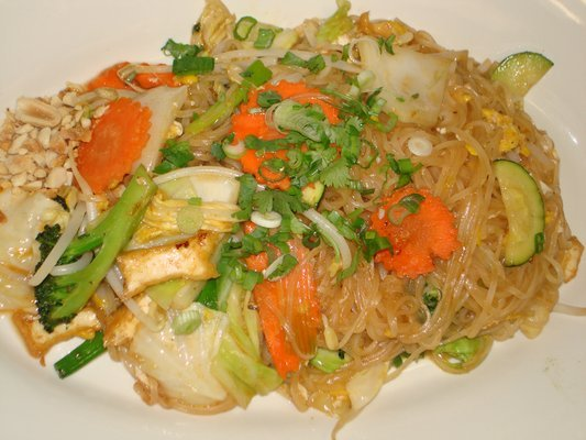 WoW - If you like it hot, start with 3 on the 1 to 10 hot level, 10 being the hottest!  Or else!!! - Pad Thai Noodles at Noodles Noodles