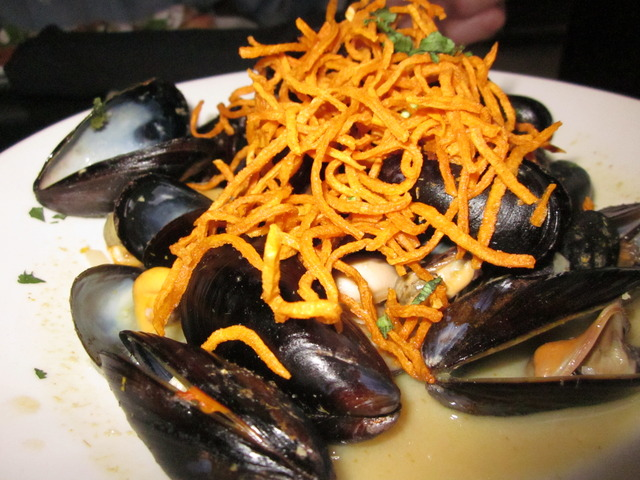 Steamed Curry Mussels at Devon Seafood + Steak