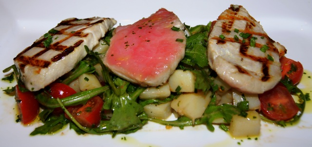 Tonno alla Griglia con Rucola e Patate   - Grilled Tuna with Rucola and Potato Salad at Pelago
