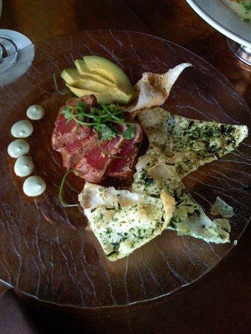 Avocado, Wasabi, ponzu vinaigrette - SEARED AHI TUNA at Daniel's Broiler